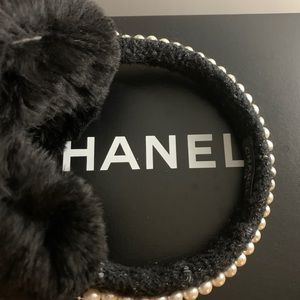 CHANEL EARMUFFS pearls/sparkle On The Bay of E